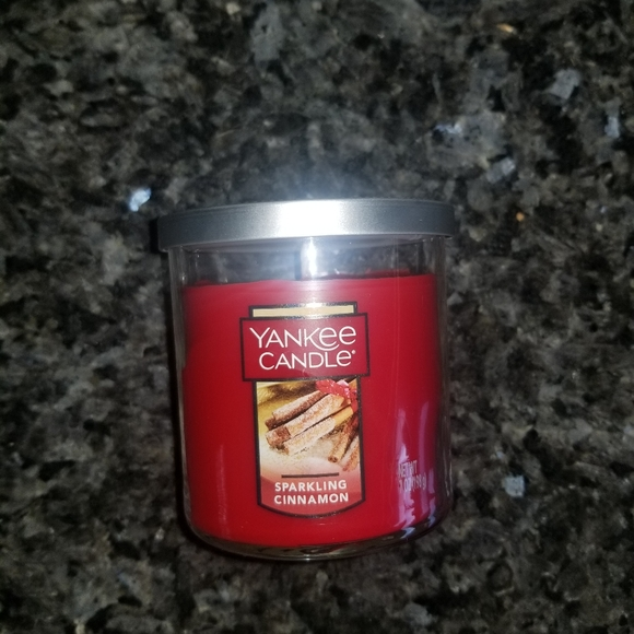 NEW Sparkling Cinnamon Yankee Candle
